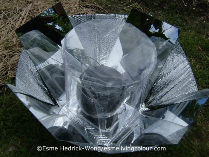 The solar cooker's circular design eliminates the need to keep turning the cooker in the direction of the sun.